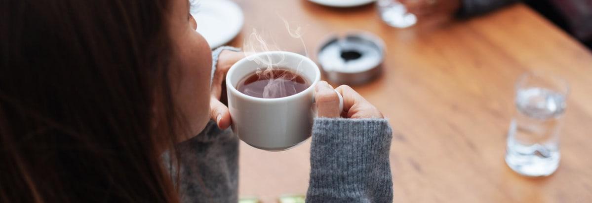 خاصیت نوشیدن چای گرم و سنتی لاهیجان