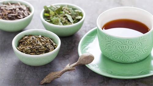 فروش چای سنتی گیلان در بازار چای ایرانی